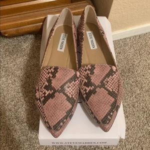 Steve Madden feather loafers